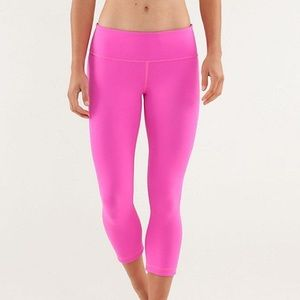 Lululemon Hot Pink Cropped Legging Sz 8